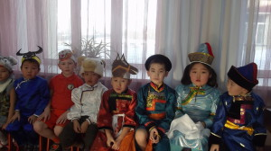 """Дети садика """"Радуга"""" на празднике Сагалгана"""